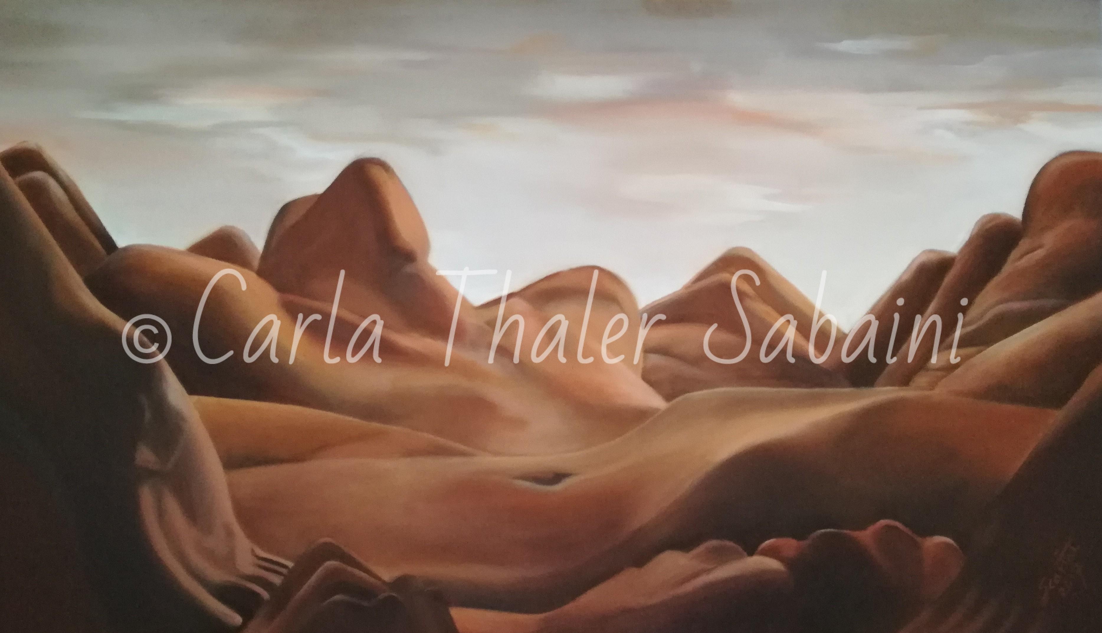 Groviglio di corpi femminili che rimandano alle dune del deserto.
